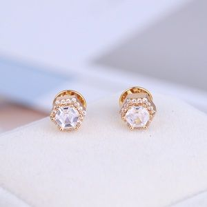 Henri Bendel stud earrings